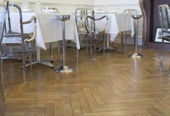 Brasserie Fond Rose - Paul Bocuse - Caluire-et-Cuire Crédit Photo : Blanchon / SMS Parquet Parquet vitrifié avec le Vitrificateur Parquet Intensiv® Mat